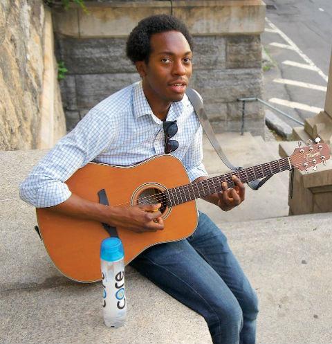 Музыкант из Бруклина в восторге от русских людей - по его словам, они честные и отзывчивые