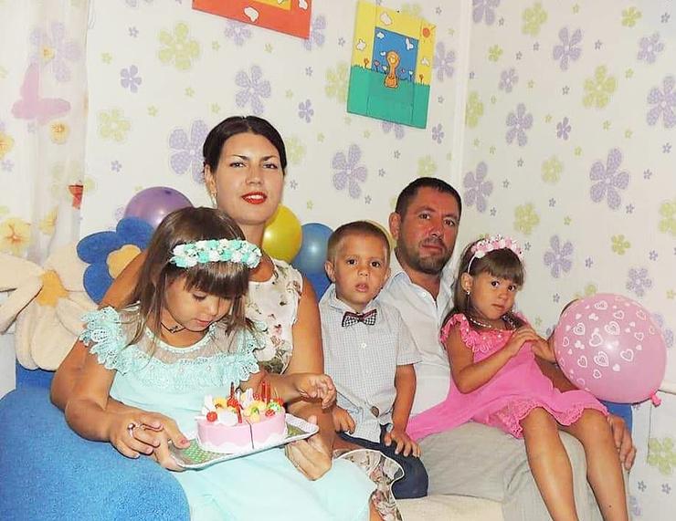 Тройняшки Аксеновых родились осенью 2014 года.