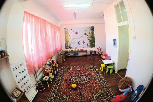 За возможность побывать в «Городе детства» клиенты платят Евгению Пятковскому 3 тысячи рублей в день