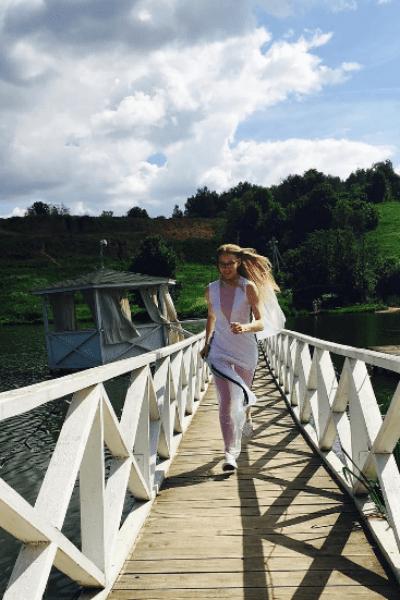 Светлана Ходченкова в свадебном наряде