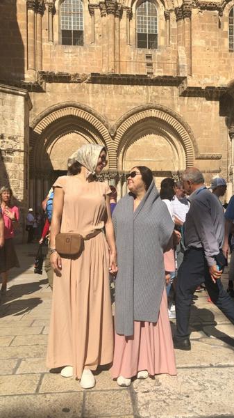 Екатерина с мамой в Израиле