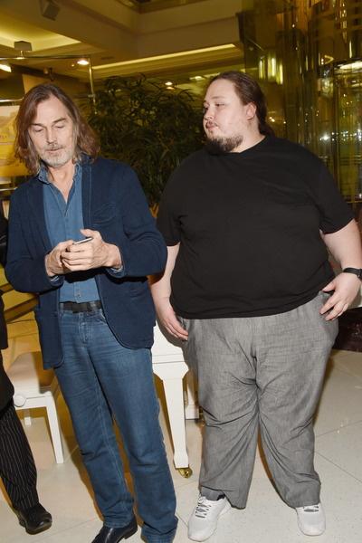 Сын Никаса Сафронова хочет поправиться до 250 килограммов