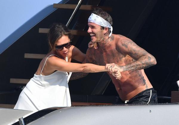 Дэвид и Виктория не перестают наслаждаться обществом друг друга