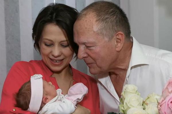 Борис Галкин с супругой и дочерью