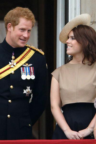 Довольно долго Гарри и Евгения считались главными скандалистами в королевской семье