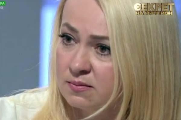 Вспоминая о том, что пришлось пережить, Яна с трудом сдерживает слезы