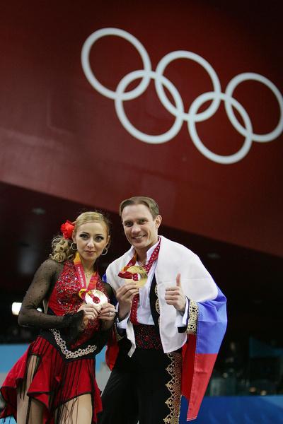 В паре с Романом Костомаровым Навка завоевала золото на Олимпиаде