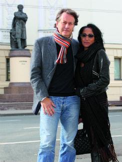 Супруга Александра родом из Туниса и сначала была против переезда в холодную Россию