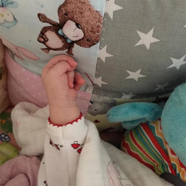 «А нам 2 месяца сегодня», - сообщила под фото дочки Ксении Бородина