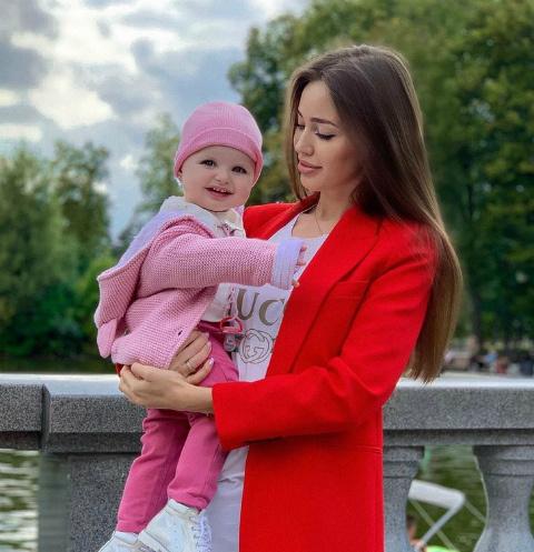 Анастасия Костенко с дочерью Миланой