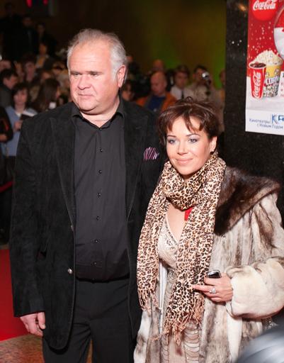 Супруги на премьере фильма «Ты и я», который продюсировал Конов