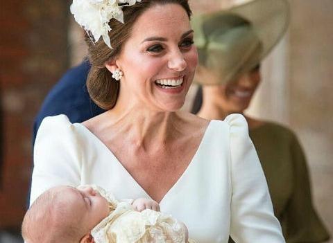 Принц Уильям и Кейт Миддлтон крестили младшего сына. ФОТО