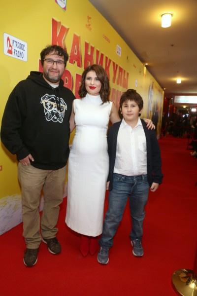 Анна Цуканова-Котт с семьей