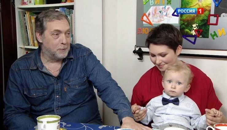Сын Владимира Семеновича редко рассказывает о личной жизни