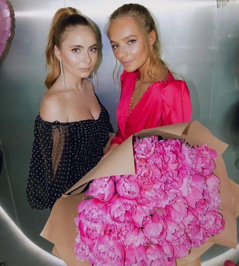 Саша Жулина и Лиза Пескова