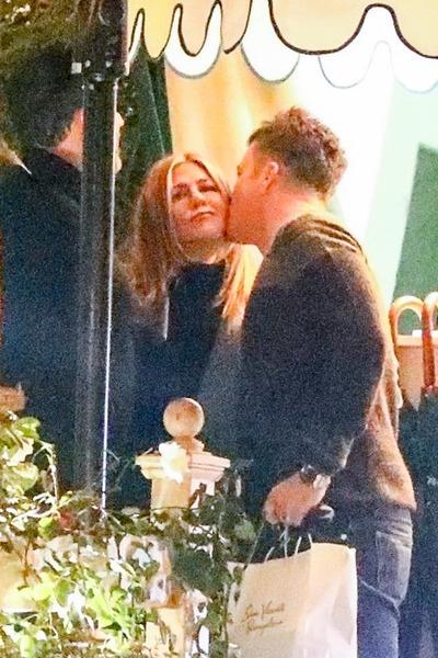 Дженнифер и Уилл держат отношения в тайне