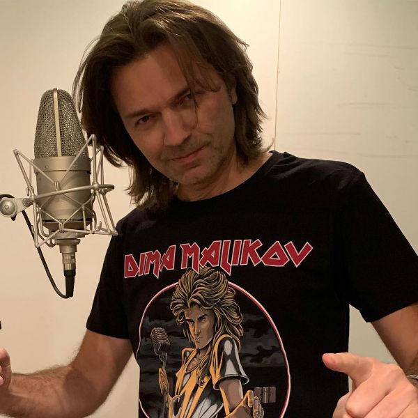 Дмитрий записывает песни и выступает с инструментальными концертами