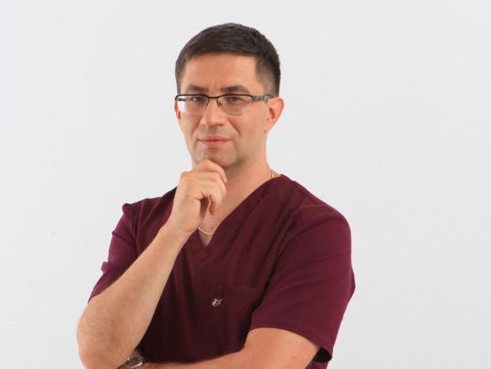 Врач-дерматолог, косметолог Антон Авербух