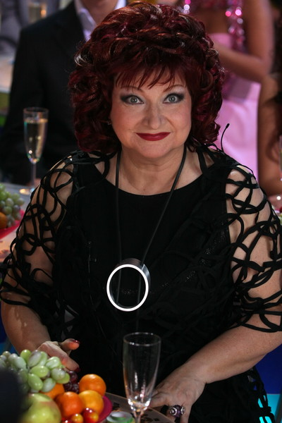 Четыре развода и слухи о романе с помощницей: скандалы в жизни Евгения Петросяна