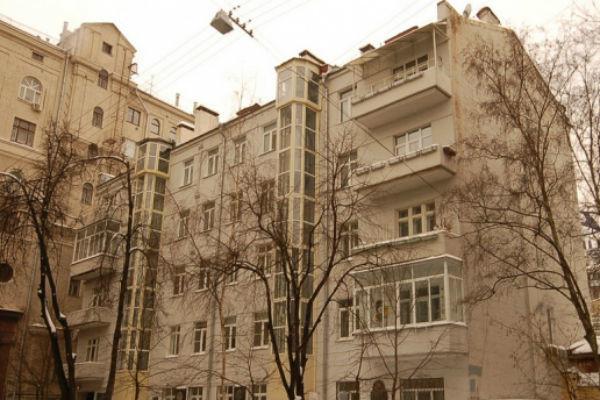 Соседями Бондарчука в элитном доме являются Илзе Лиепа и Никас Сафронов