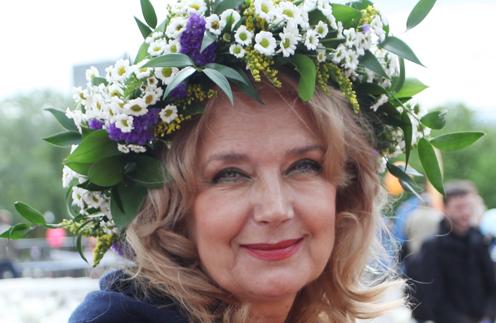 Ирина Алферова пострадала во время спектакля