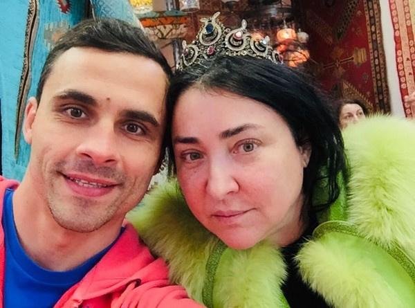 Лолита: «Алла Пугачева никогда меня не хвалила»