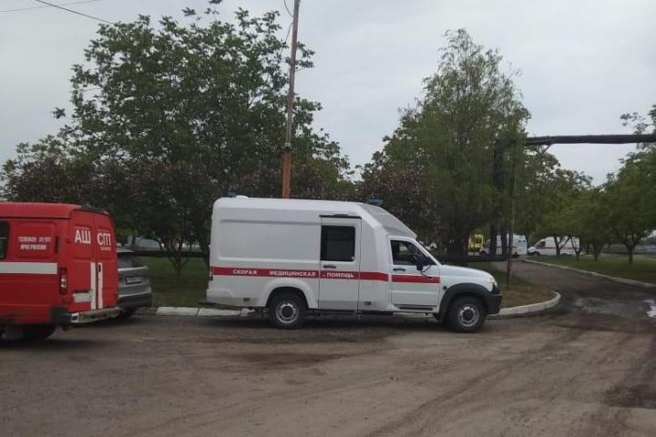 Часть рабочих доставлены в больницы