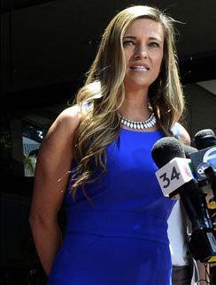 Доктор Кристи Фанк, оперировавшая Джоли, была откровенна с прессой