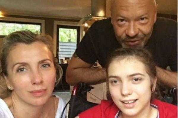 Даже после развода Светлана и Федор продолжают вместе заботиться о дочери
