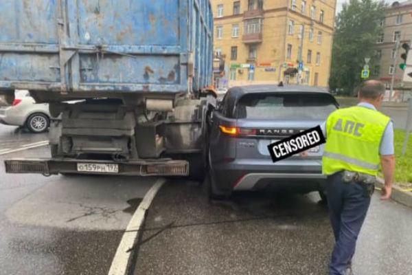 Черная полоса: расставшаяся с мужем Евгения Лоза попала в аварию