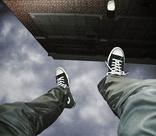 Отчима, выбросившего 13-летнего пасынка из окна высотки, арестовали