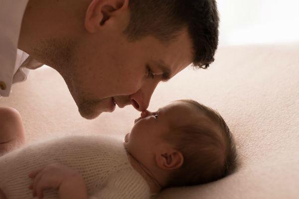 Дмитрий не устает восхищаться красотой дочери