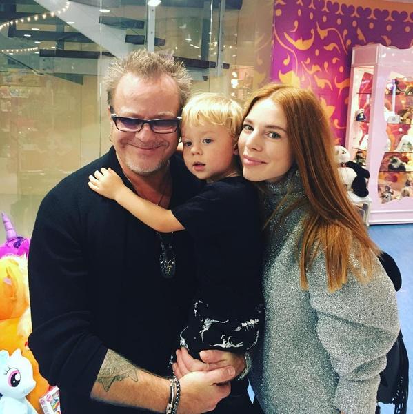 Наталья Подольская и Владимир Пресняков с сыном