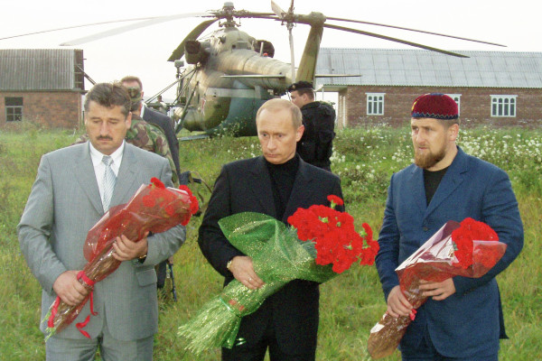 Vladimir Putin met with Ramzan Kadyrov immediately after the death of his father