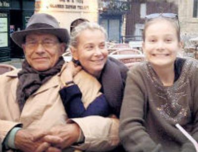 Юлия Высоцкая: «Когда я слышу в конце пьесы, что надо жить, я думаю: надо жить»