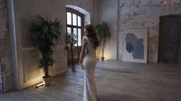 Навеста Ивлева выбрала платье без пышной юбки