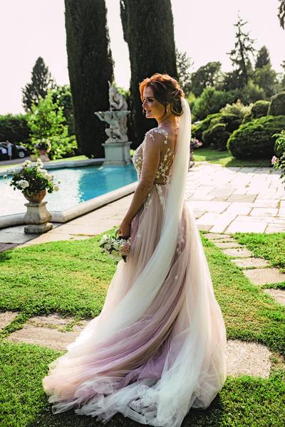 Первое платье бренда Otilia Brailoiu стоило ведущей программы «Утро России» около 400 тысяч рублей