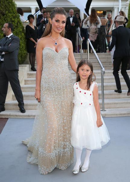 Виктория с дочерью Анджелиной