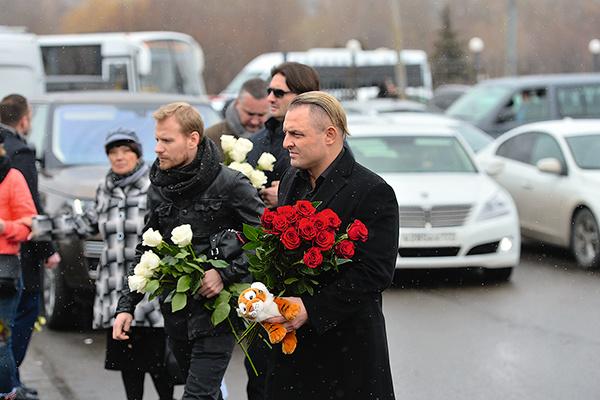 Дрессировщик Аскольд Запашный принес Юле Анастасия Стоцкая тигренка