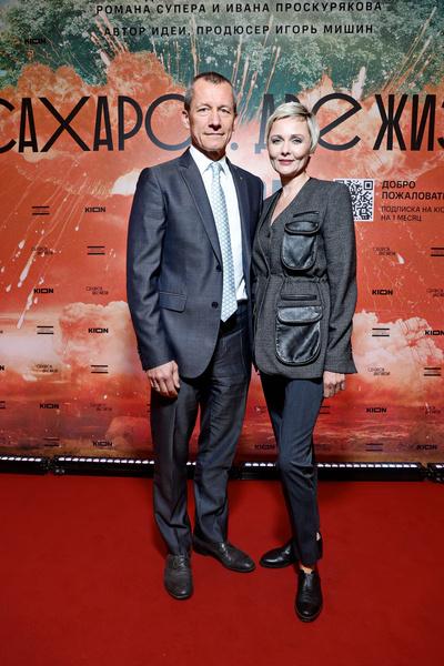 Дарья Повереннова с мужем Андреем Шароновым