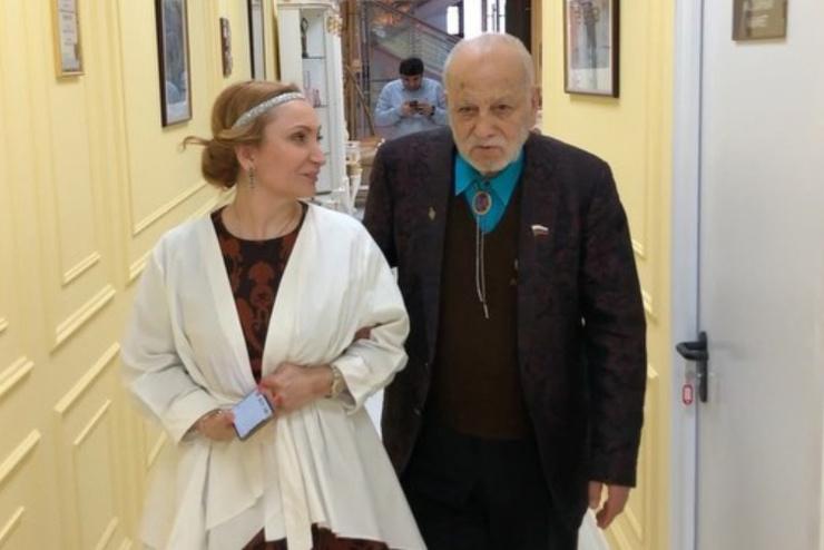 Бедросу Киркорову Мухина помогла оздоровить связки и кожу