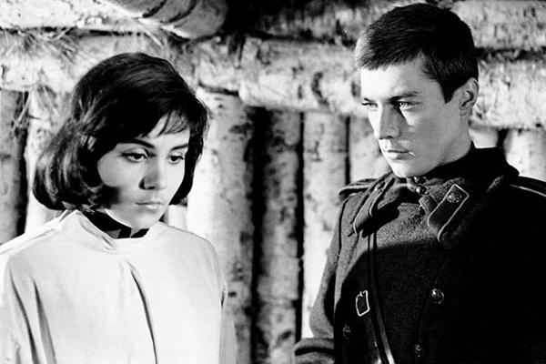 Одну из самых ярких ролей артистка сыграла в фильме «Иваново детство»