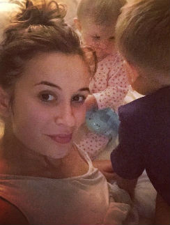 Елена Бушина с дочкой Лаурой и сыном Марком
