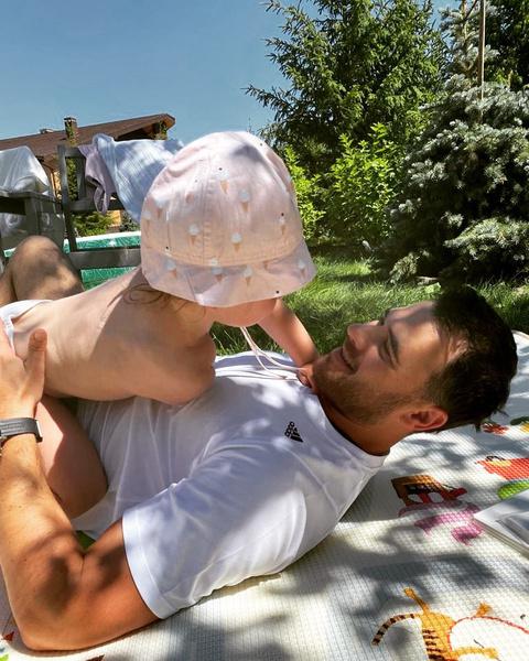 Эмин старается много времени проводить с дочкой от Гавриловой