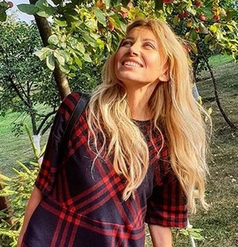 Ирина Нельсон публично оголила грудь