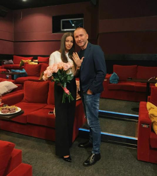 Олег недавно развелся с Алексом, с которым прожил в браке всего несколько месяцев.
