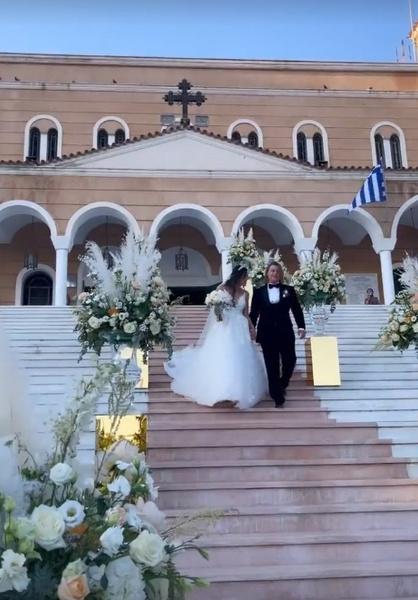 Новости: Венчание, танцы живота и хиты шансона. Свадьба пасынка Стаса Михайлова  – фото №3