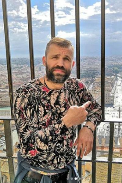 Артист много путешествует по России и другим странам мира