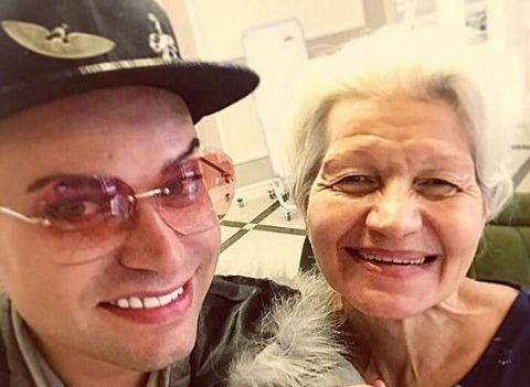 Гоген Солнцев воссоединился с 63-летней женой после скандала