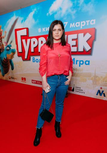 Актриса Анастасия Денисова